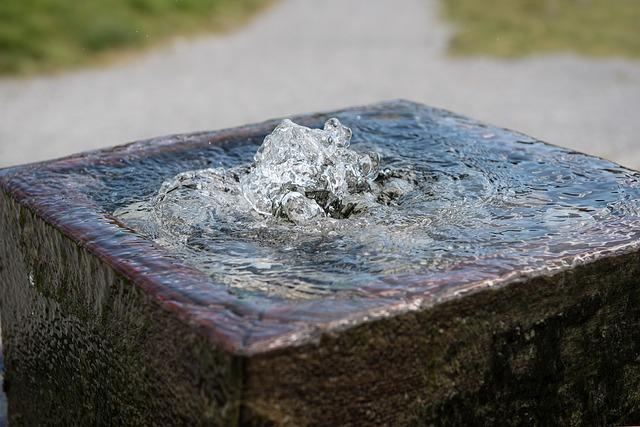 fountain-1642204_640